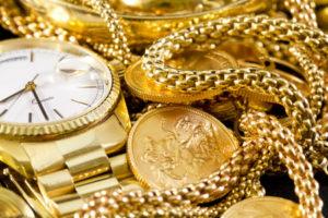 Bijoux, or, colliers, bagues, bracelets, montres, la richesse Banque d'images - 28056606